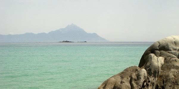 Da Sithonia si vede il monte Athos