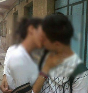 Il bacio che scuote il Marocco