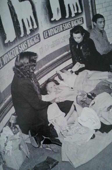 xDoisneau 7 Viaggiatori senza bagagli 1942 Parigi