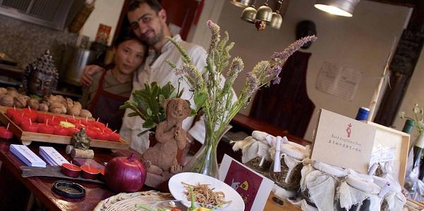 Mauro e la compagna Anxin