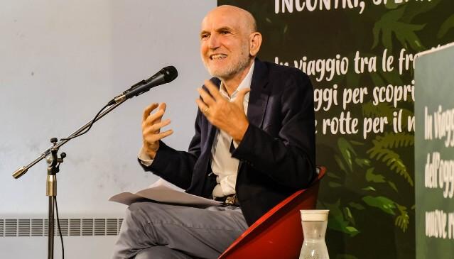 Il coraggio di guardare il mondo in profondità, intervista a Marino Sinibaldi